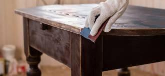 Jak odnowić stół?