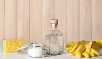 Ekologiczne sprzątanie: 3 przepisy na domowe środki czystości
