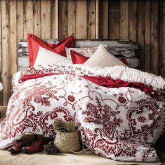 Jak urządzić sypialnię: wybieramy najlepsze łóżka, materace i pościel