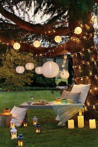 Nastrojowe przyjęcie w ogrodzie