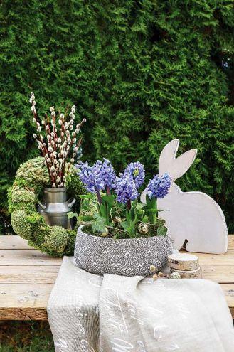 Dekoracje wielkanocne - waza z hiacyntami DIY