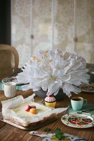 Jak zrobić kwiaty z papieru: pokazuje Anna Rulecka