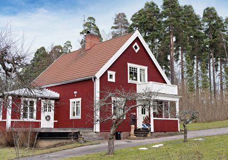 Tradycyjny czerwony dom w Szwecji