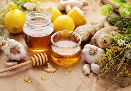Domowe sposoby na przeziębienie: antybiotyki prosto z kuchni