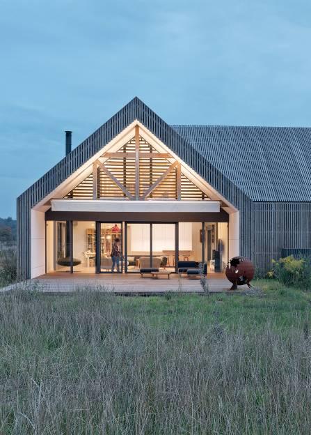 data/articles/Co zrobić, żeby dom wyglądał pięknie na łące? Odpowiada architekt Bartłomiej Bajon