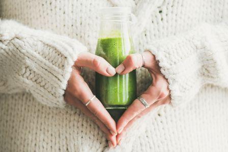 Wiosenny detoks – napój z natki pietruszki