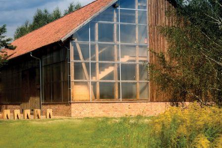 przebudowa stodoły na dom