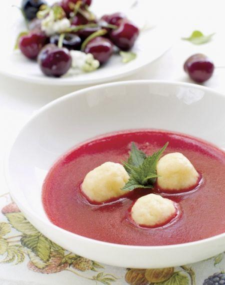 Zupa wiśniowa z knedelkami