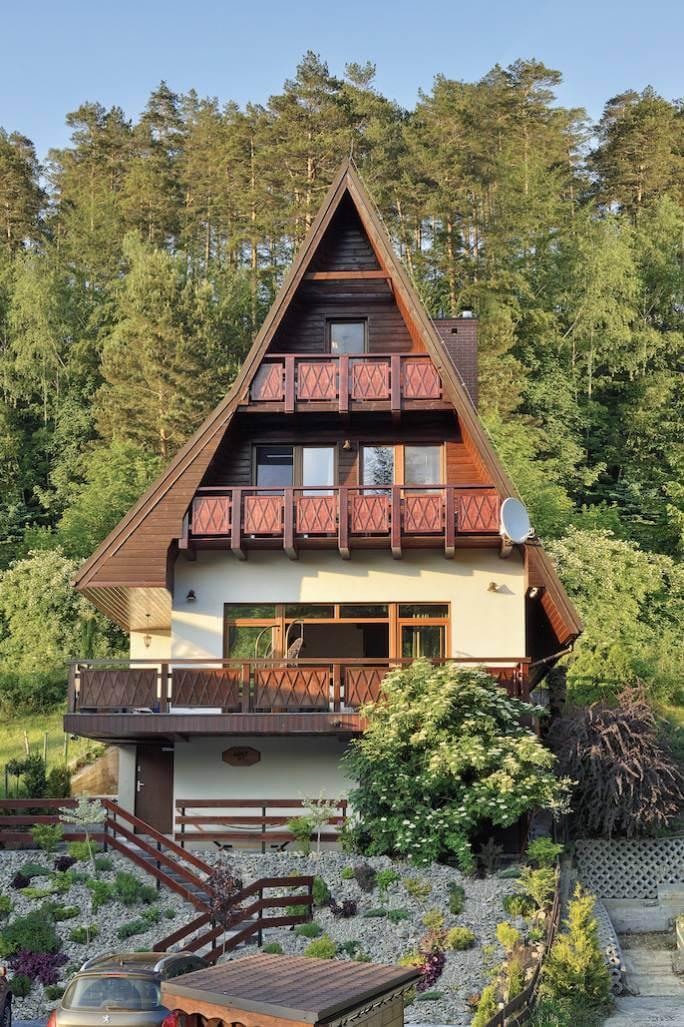 trójkątny dom