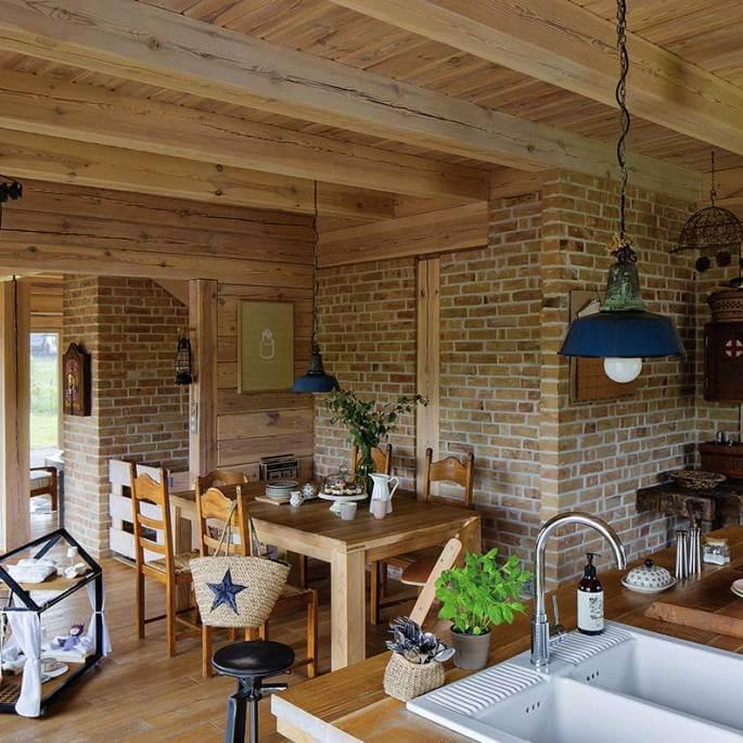 Drewniany dom w Zaciszu – jak z dziecięcych wspomnień
