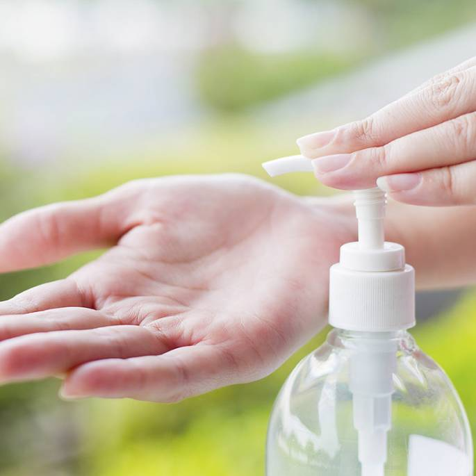 Naturalny żel antybakteryjny, niszczący wirusy – jak samodzielnie zrobić płyn dezynfekujący do rąk?