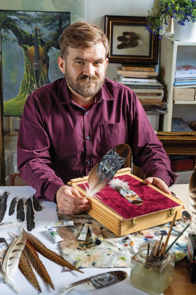 Paweł Ber malowaniem na piórach zafascynował poznając bliżej kulturę rdzennych mieszkańców Amerykanów , którą zainteresował się podczas podróży po USA.