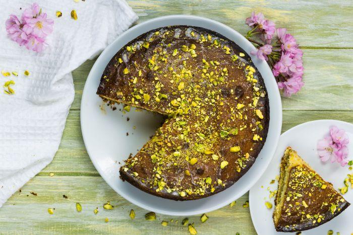 Ciasto pistacjowe z syropem cytrynowym