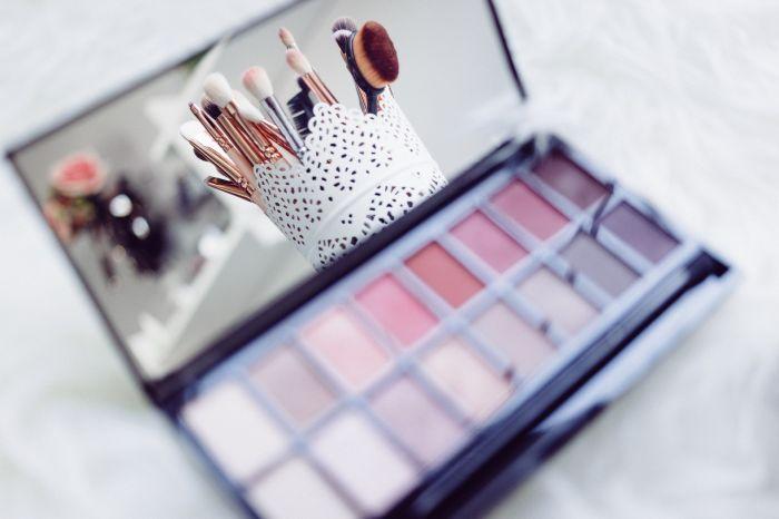 Jak rozpoznać naturalne kosmetyki do makijażu?