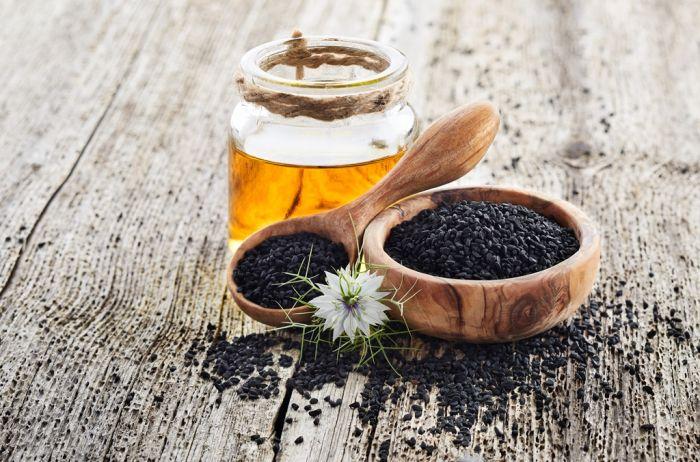 Maseczka oczyszczająca z olejem z czarnuszki