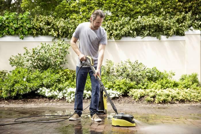 Porządki w ogrodzie: co wyczyścisz na błysk myjką ciśnieniową?