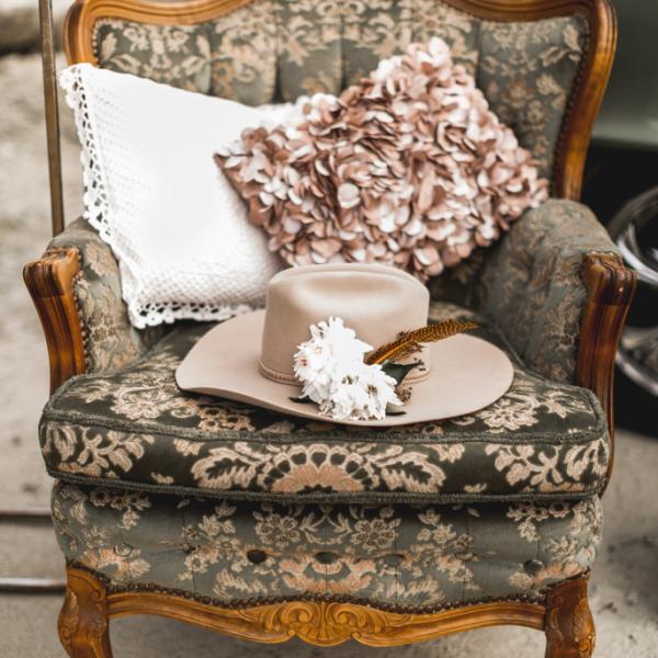 Jak szybko i łatwo zmienić obicie fotela?
