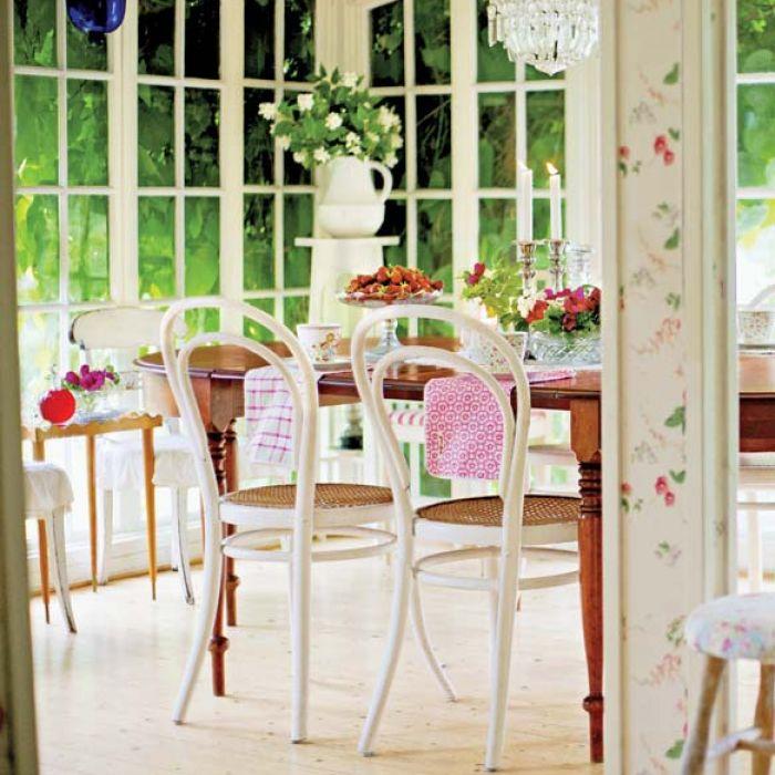 Różana chatka na południu Szwecji