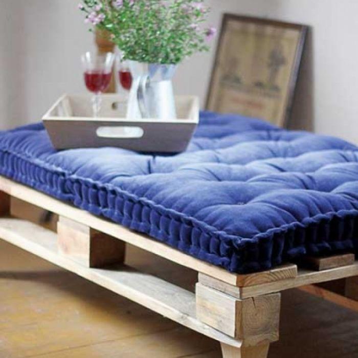 Łóżko z palet – inspiracje