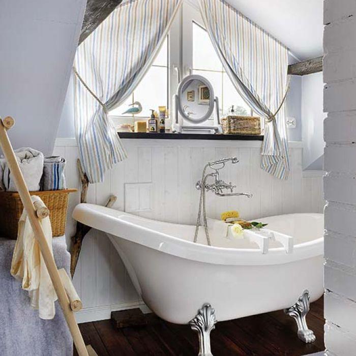 Relaks w wannie – łazienka w stylu country