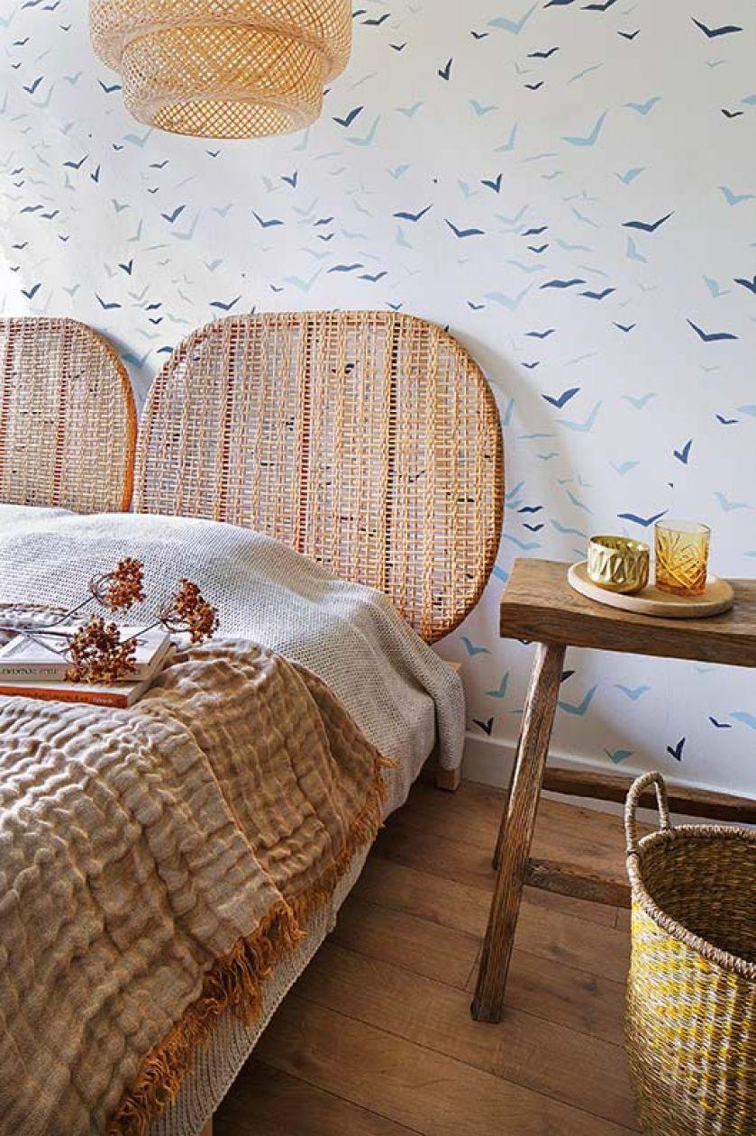 sypialnia w drewnie i bieli