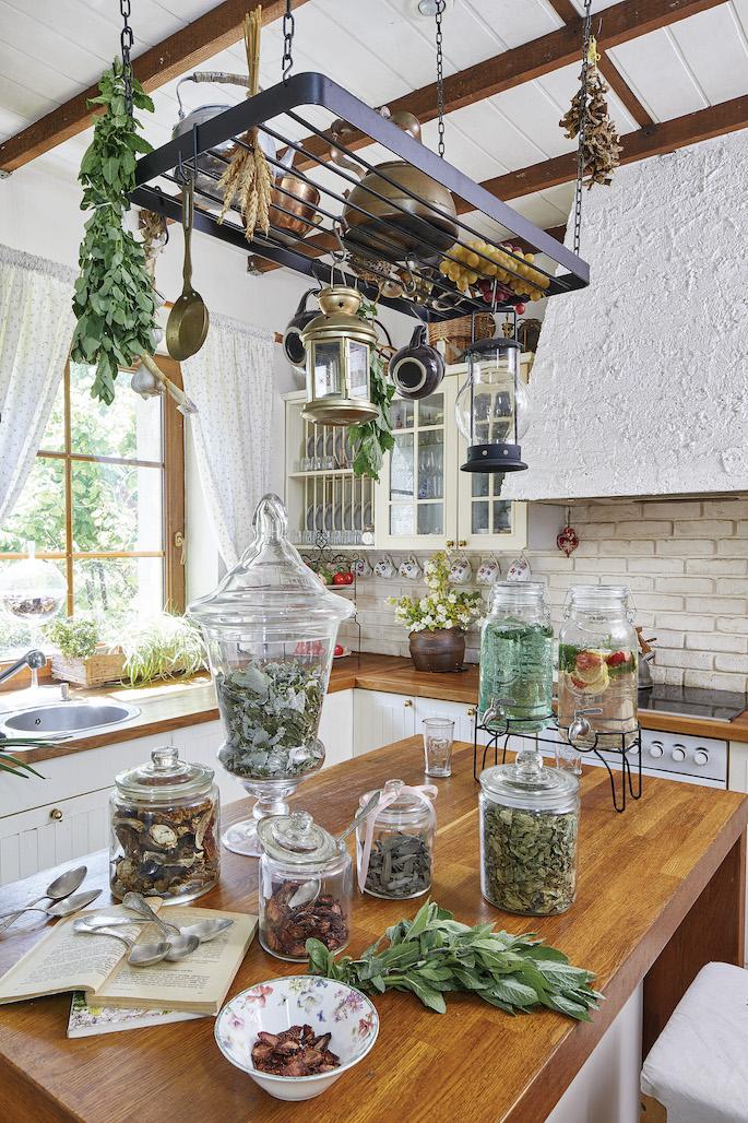 biała kuchnia rustykalna